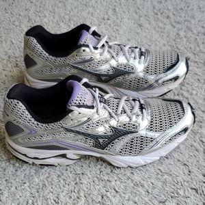 Mizuno Women's Wave Nexus 5 Running Shoes